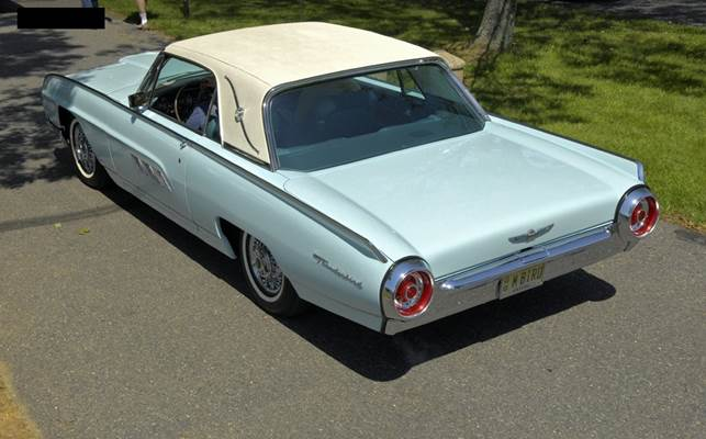 Description: Oh yes, there was a lovely white '62/'63 Thunderbird, which I have seen before, but which I really like as it sits on Centerline-style wheels