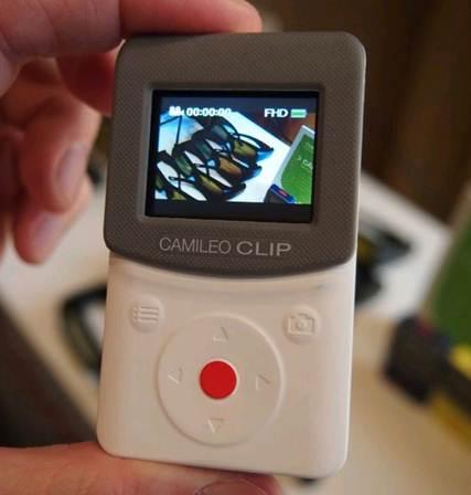 Description: The controls of Clip are pretty difficult to use.
