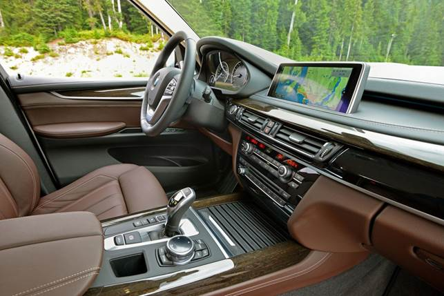 The X5 is impressively refined and its interior finished to the standard that you'd expect