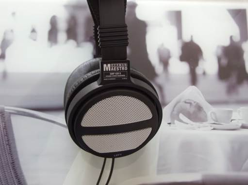Like the Audio-Technica, the large earpads with relatively well set back drivers gives the GMP 240 a sound that is spacious and open