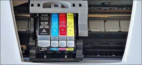 Jet printer uses different cartridges and mix inks to print
