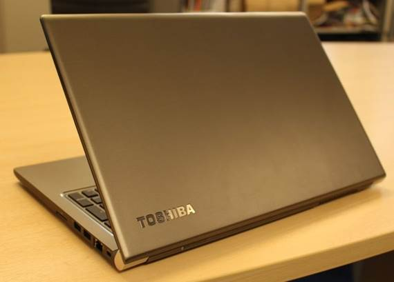 Description: Toshiba PORTEGE Z30
