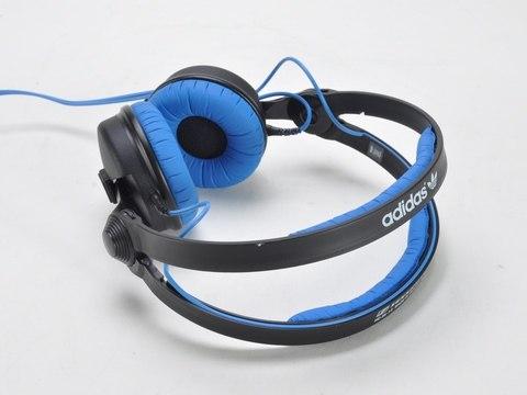 Sennheiser HD 25 Originals is an on-ear model using closed design