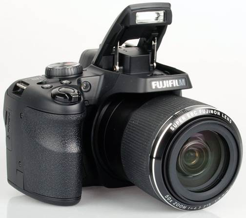 SL1000 has 16 megapixel BSI CMOS sensors, and a lens with 50x optical zoom, 35 mm equivalent to 24-1,200mm.
