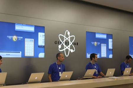Description: Apple recommends that you check in for your Genius Bar appointment at least 10 to 15 minutes in advance